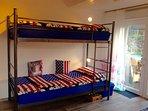 Etagenbett 2x 0,90m x 2,00m auch für Erwachsene geeignet