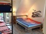 Schlafzimmer Doppelbett 1,40m x 2,00m