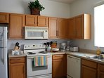 Kitchen fully equipped and perfect for holiday dining