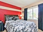 Holgate House at Anaheim Disneyland Vacation Rental Queen bed