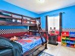 Holgate House at Anaheim Disneyland Vacation Rental Twin over bunk w twin under