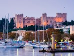Distance from Old town and the city of Rhodes: 4km