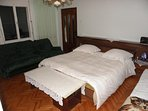 H(6): bedroom