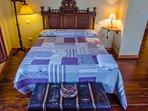 Habitacion doble con cama supletoria denominada Espliego con baño completo independiente