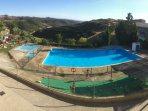 Vista de las piscinas municipales de Ores con unas maravillosas vistas