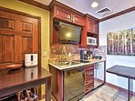 Prepare your favorite snacks in the well-equipped kitchenette.