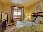 Guest Bedroom 2 - Features HD TV & private bathroom
