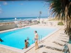 XL Heated Pool,BBQs,Picnic Tables(6)Beach Front
