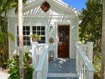 Cigar style 'shotgun'' cottage in Old Town Key West