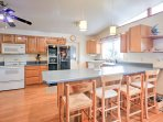 The chef of the group will love cooking in the spacious kitchen, equipped with all of the necessary cooking appliances.