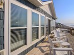 Upper Oceanfront Deck Furniture