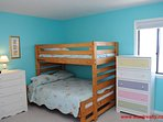 2nd Floor Streetside Bdrm w/ 2 Twin/Double Bunks