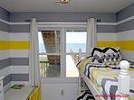 1st Floor Middle Oceanfront Bedroom - Bunk Bed