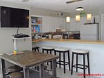 Dining, Eat-In Bar & Kitchen