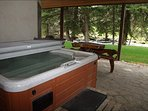 Private Covered Creekside Hot Tub