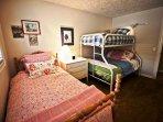 3rd bedroom. pyramid buk + twin