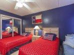 3rd bedroom w/ 2 twin beds