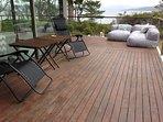 Wide alround deck