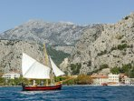 One of many offers in this area, daily boat trip to the island of Brac