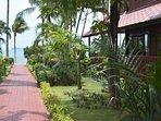 Banyan Villa 3 - Beach path