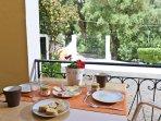 Double bedroom balcony - garden access