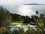 Splendido casale di mq 6000 immerso nel verde di Monte Argentario nell'esclusiva Cala Moresca.