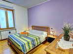 LISA  Camera matrimoniale, ampia e dotata di ogni comfort. (Bagno privato esterno)