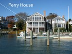 THARF - The Ferry House, Luxury In Town Harborfront Home