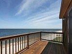 Large beach house Large deck 1mi to Vineyards Farmstands Hampton's