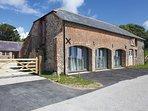46486 Barn in Durdle Door