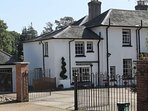 Chine House Apartment in the heart of Shanklin Old Village and overlooking the Chine