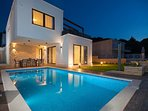 Luxury Villa Trogir II with outdoor pool, indoor pool, jacuzzi and gym by the beach and sea - Trogir