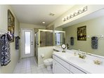 Queen Room Bath - Opens to Pool