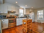 Prepare all your favorite recipes in this fully equipped kitchen.