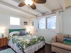 Last minute special rate!  Studio with AC, off street parking, Pool & WiFi
