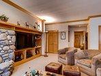 06-Highlands-Lodge-203_16-1220.jpg