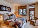 18-Highlands-Lodge-203_16-1220.jpg