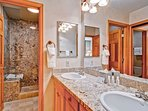 EastWestResorts_HL203_Bathroom-2.jpg