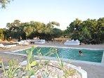 Le riad Tigmin Eden a des espaces pleins - air , rez de chaussé , Jardin, terrasse et piscine