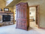 Fireplace,Hearth,Furniture,Reception Room,Room