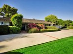 Welcome to this La Jolla Classic.  Located in the prestigious La Jolla Farms, it's a short drive to the beach or...