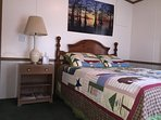 Lodge Third Bedroom with queen bed & access to 2nd full bathroom.