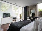 Villa Issi - Master bedroom