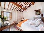 Bedroom 2 (king bed)_First floor
