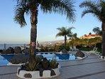 Solarium, piscina y vistas