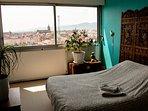 Chambre 2, avec vue sur la vieille ville et les Vosges.