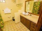 Bathroom,Indoors,Furniture,Room,Flower Arrangement
