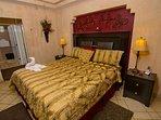 Flower Arrangement, Vase, Bed, Bedroom, Furniture