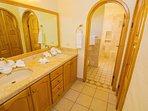 Bathroom,Indoors,Furniture,Cabinet,Room