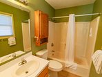 Full master bath, towels and washcloths will be provided.